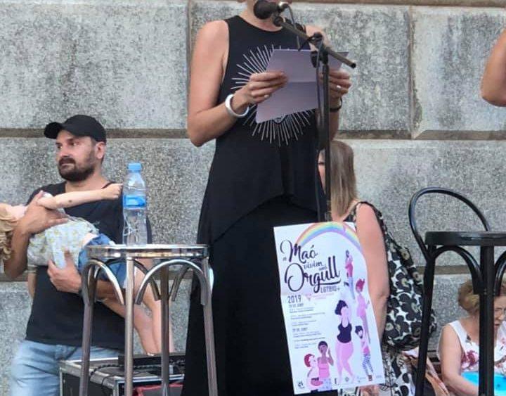 Alba Pons, leyendo el manifiesto (Fotos: Diverxia Menorca)