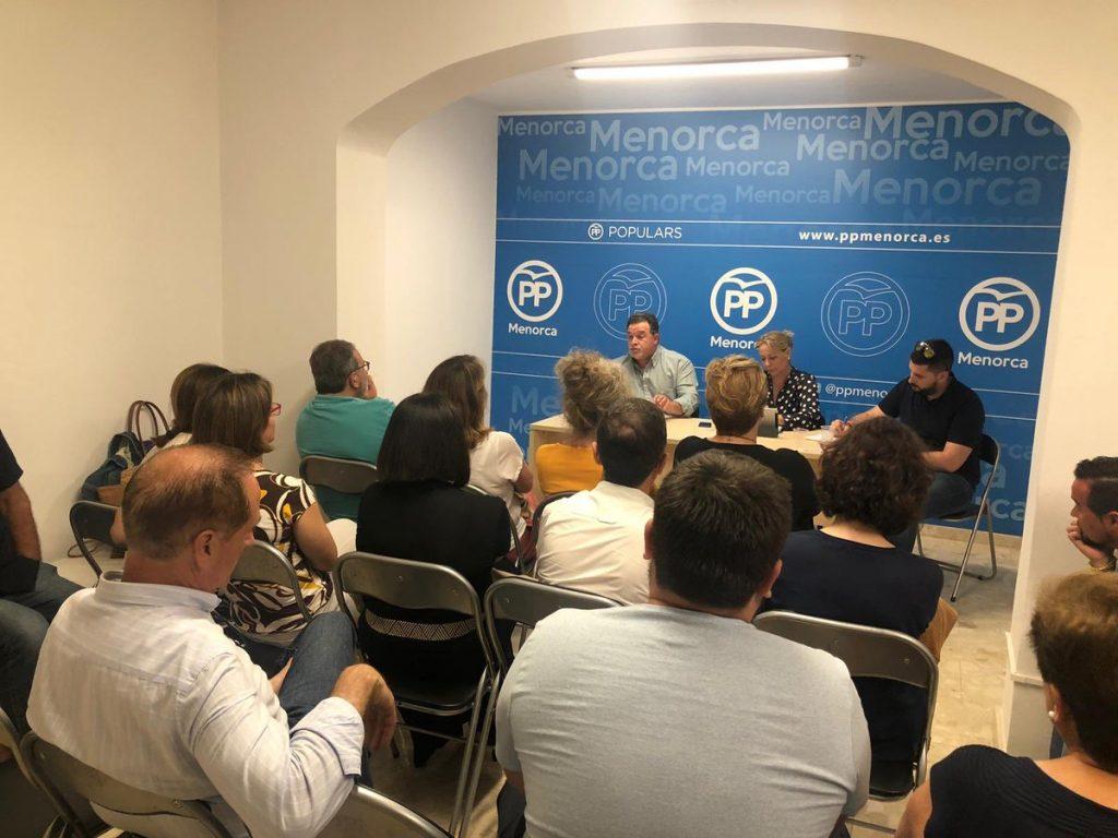 Imagen de la reunión de la Junta de Maó (Foto: Àgueda Reynés)