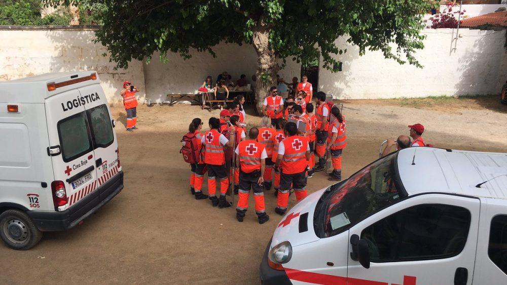 Miembros de la Creu Roja (Fotos: Creu Roja Balears)