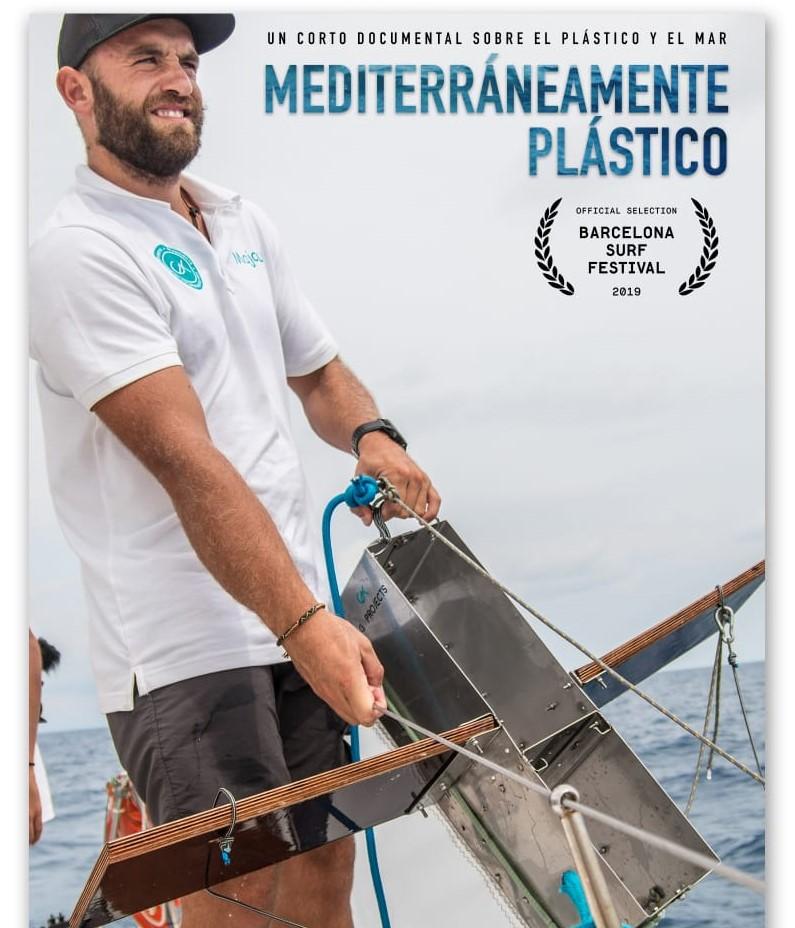 El corto presenta el estudio de las muestras de microplàstics recogidas en el Mediterráneo durante la regata anual desde Salou hasta Mallorca