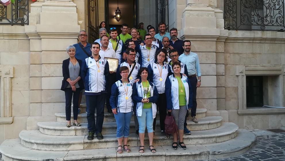 Salle-Vidalba, posando tras la recepción (Fotos: Ajuntament de Maó)