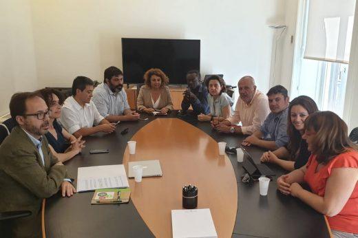 Imagen de la reunión entre los grupos insularistas