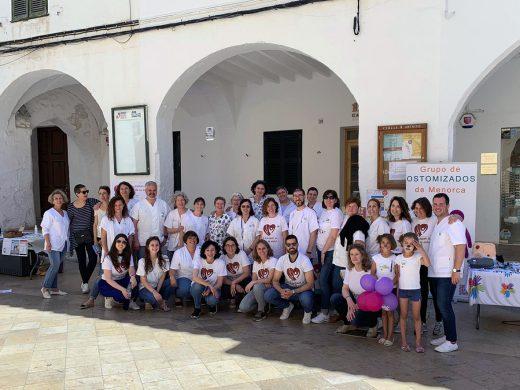 (Fotos) Las enfermeras salen a la calle en Ciutadella