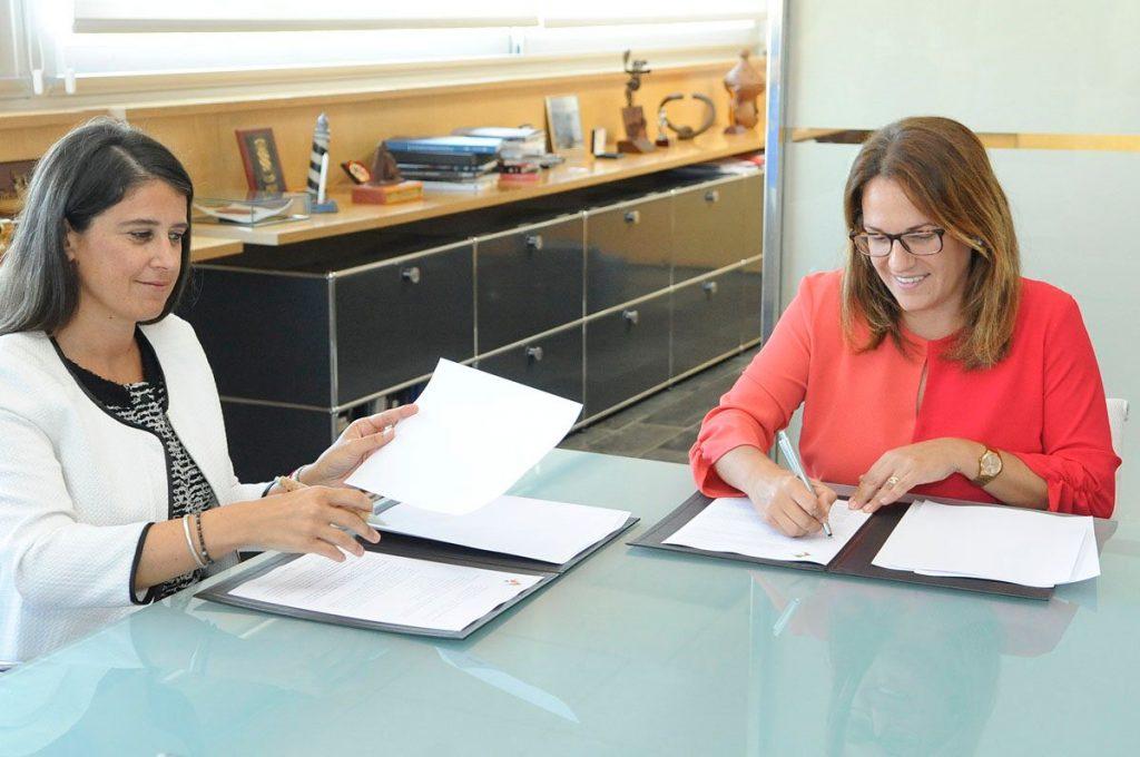 Momento de la firma del acuerdo (Foto: Tolo Mercadal)