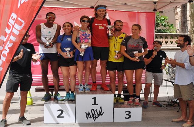 Maria Pallicer, en el podio (Fotos: deportesmenorca.com)