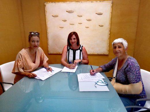 Firma del convenio en la sede del Consell de Menorca