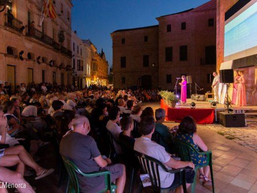 """(Fotos) Comienza en Ciutadella la sección """"Illes en curt"""" del Festival de Cine de Menorca"""