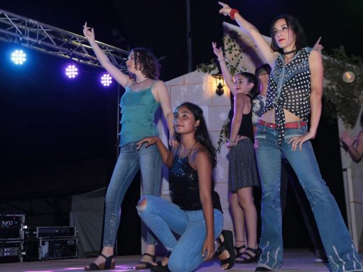 (Fotos y vídeo) ¡Mamma Mia! cómo se puso Es Mercadal