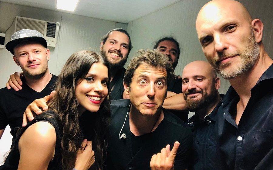 Manel Fuente, junto a la banda (Foto: Manel Fuentes)