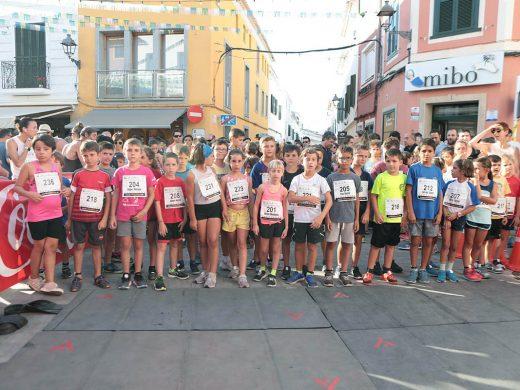 (Fotos) Leire López y Xavi Cubas se apuntan la carrera de Sant Martí