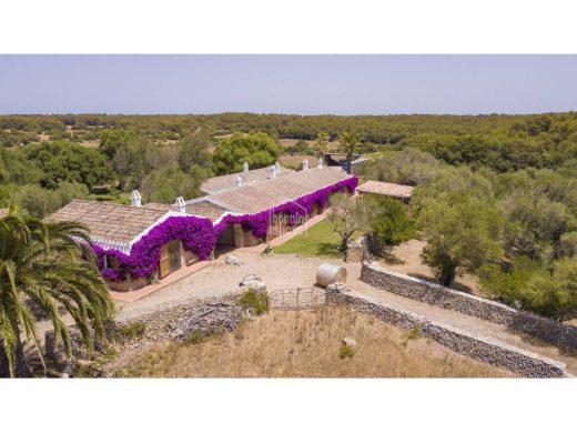 (Vídeo y fotos) La impresionante finca de 1 millón de m2 que sale a la venta en Alaior