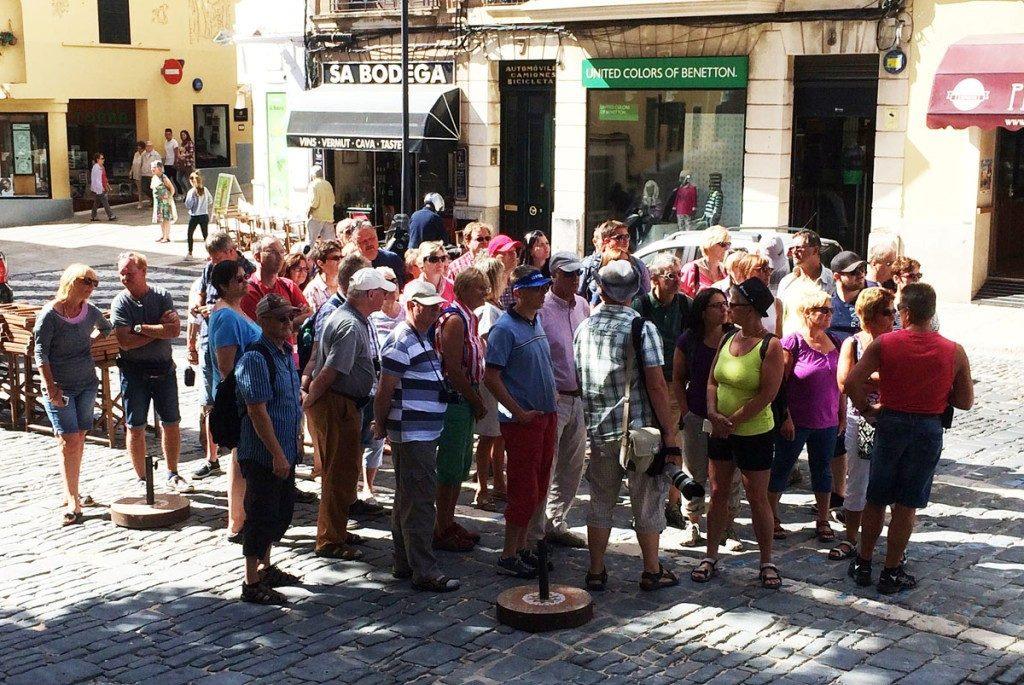 ¿Más turistas y menos dinero?