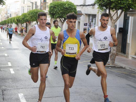 (Fotos) Xavi Cubas se impone en un apretado sprint en Alaior