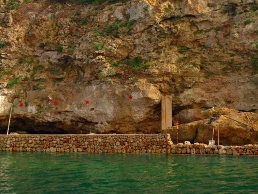 (Fotos) Continúa la construcción de la pasarela peatonal de Es Castell