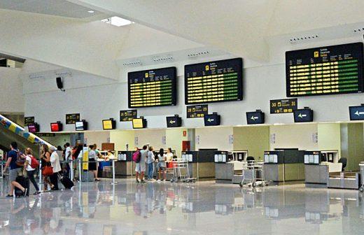 El sábado será el día de más tráfico en el aeropuerto.