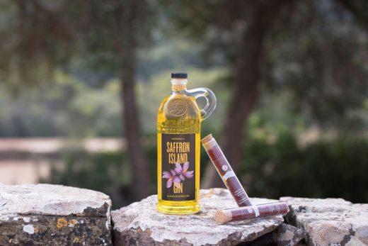 """S ha optado por una botella tributaria de la caneca, símbolo del """"Gin de Mahón"""" (Foto: David_Arquimbau)"""