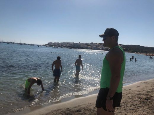 (Fotos) El Hestia Menorca cambia el parquet por la playa