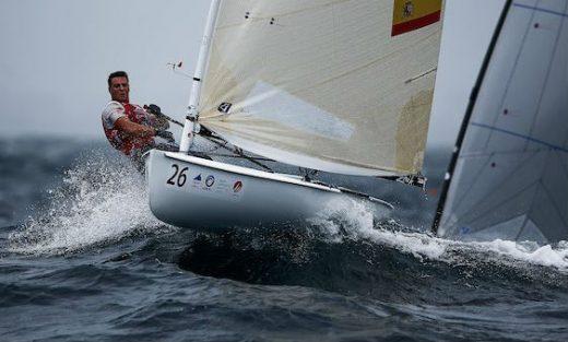 Joan Cardona, en plena acción en Japón (Foto: Sailing Energy)