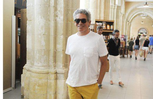 El escritor Boris Izaguirre está pasando unos días de vacaciones en Menorca (Foto: Tolo Mercadal)