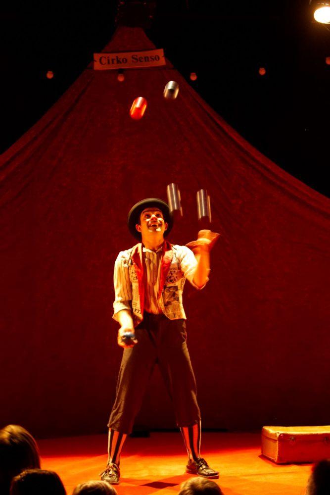 Espectáculo de circo en Menorca.