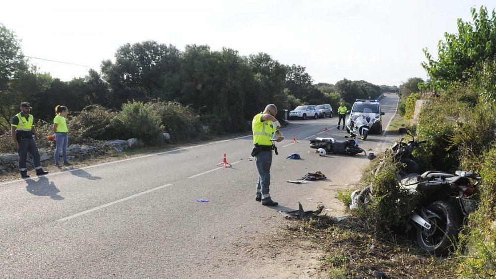 La Guardia Civil en el lugar del accidente