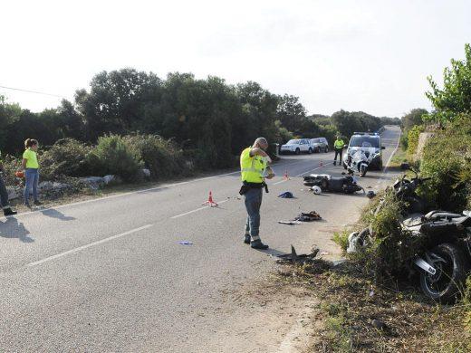 (Fotos) 3 heridos en un accidente entre dos motos en la carretera hacia Alcaufar
