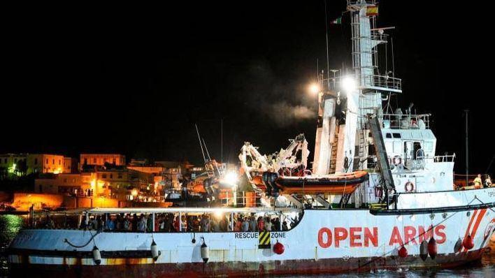 Los migrantes fueron atendidos nada más llegar al puerto (Foto: Mallorcadiario)