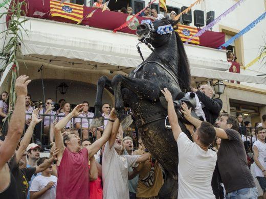 (Fotos) Explosión de fiesta en Ferreries