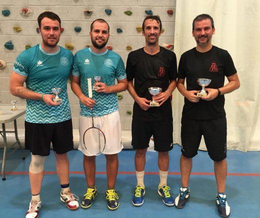 Pedro, Carlos, Albert y Pepe, tras los partidos (Fotos:  CB Badminton Maó)