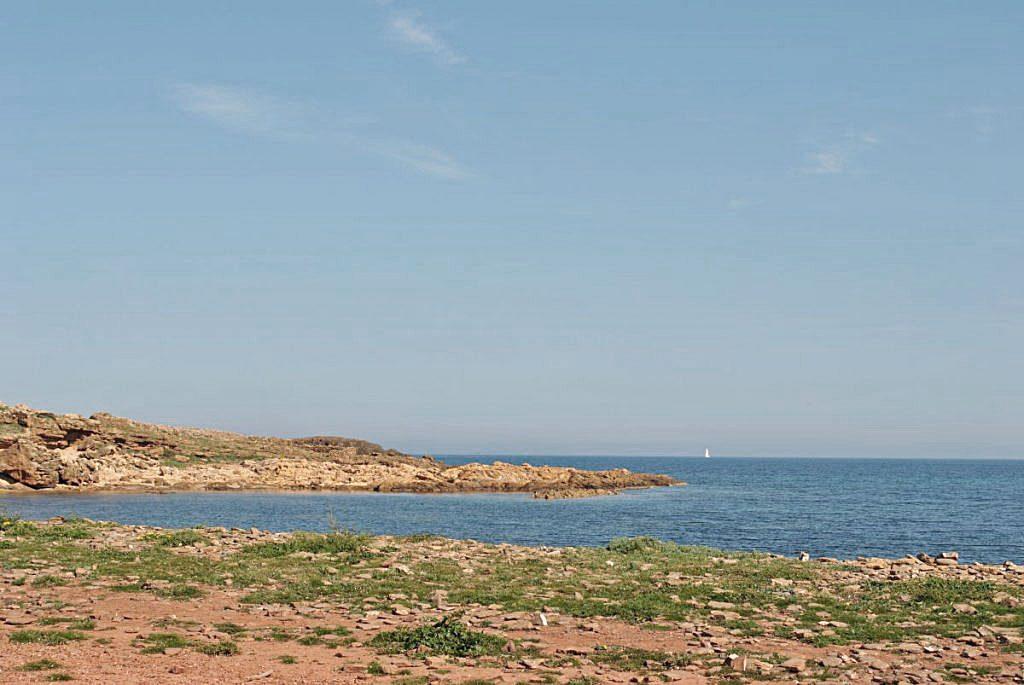 Día de playa en Menorca porque aumentan las temperaturas y la humedad
