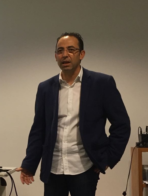 Vicente Martínez, delegado de la Escuela de Entrenadores de Menorca, en una conferencia.