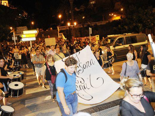 300 personas reclaman la llegada del Open Arms a un puerto seguro