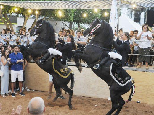(Vídeo y fotos) Sant Lluís se entrega a la fiesta