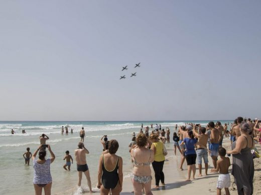 (Fotos y vídeo) Mil piruetas y acrobacias en el cielo