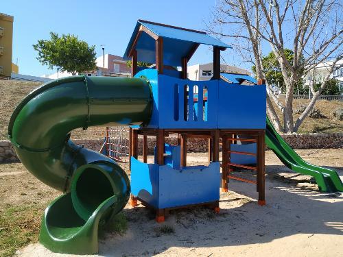 (Fotos) Ciutadella mejora sus parques infantiles