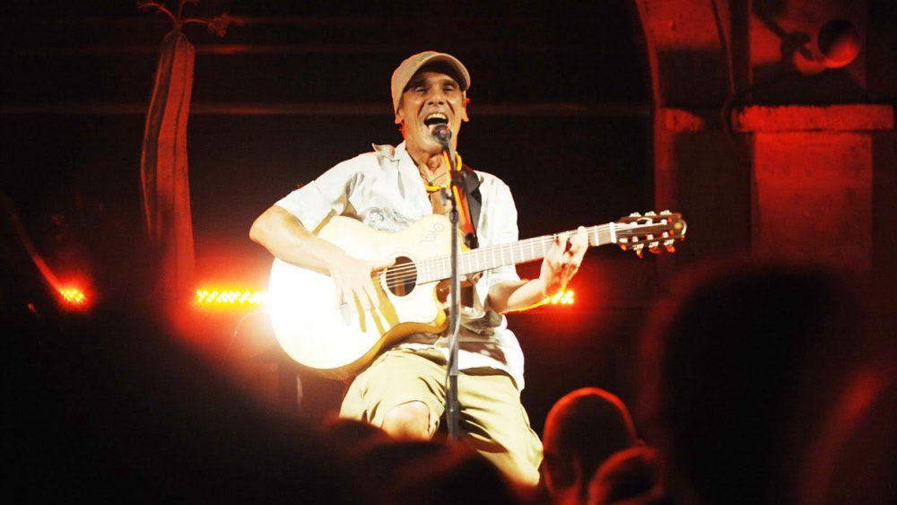 Manu Chao, en un momento del concierto (Fotos: Tolo Mercadal)