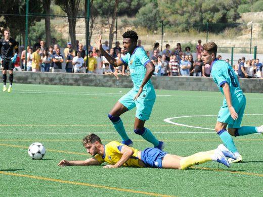(Vídeo y galería de fotos) Lleno histórico y triunfo del Barça en Es Castell