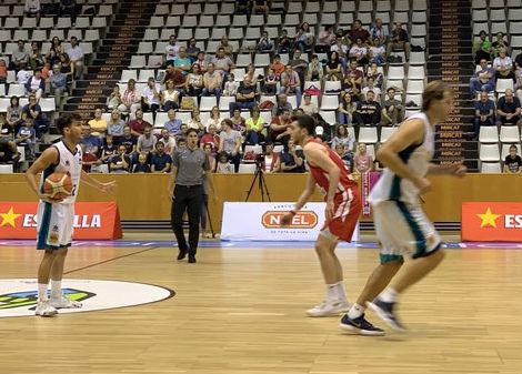 Imagen del partido de la primera vuelta ante el Girona - Foto: Bàsquet Menorca