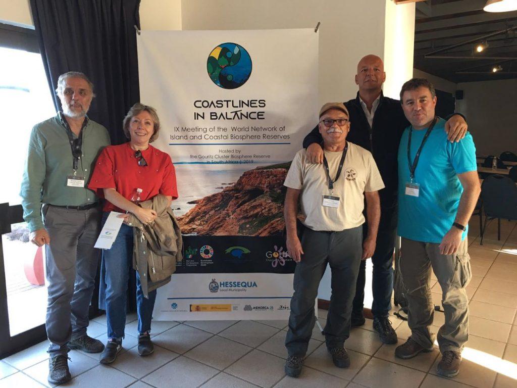 El director del Obsam, David, Carreras, con otros participantes en este encuentro