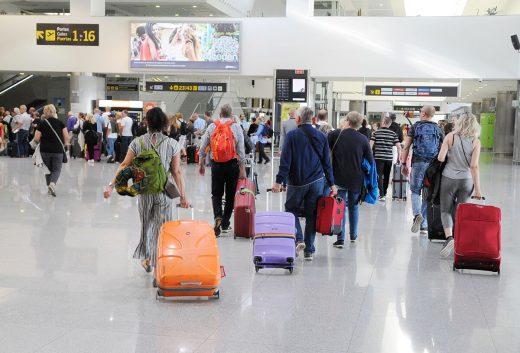 El aumento del turismo nacional ha propiciado el récord de pasajeros (Foto: Tolo Mercadal)