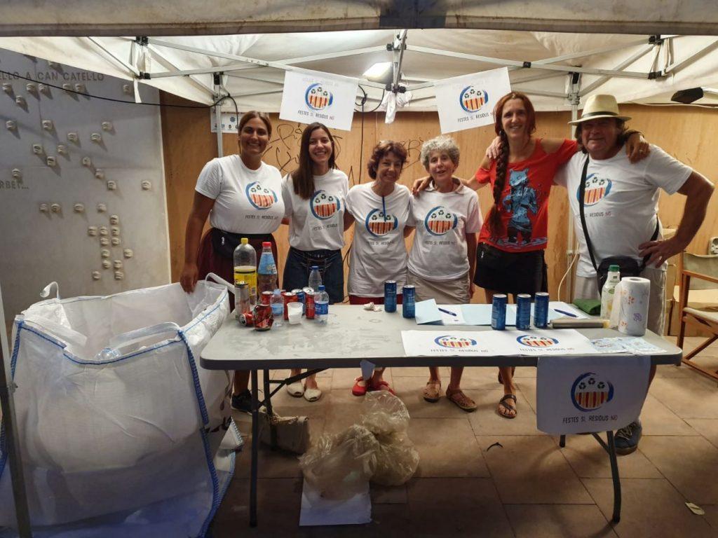 Voluntarios por el reciclaje.