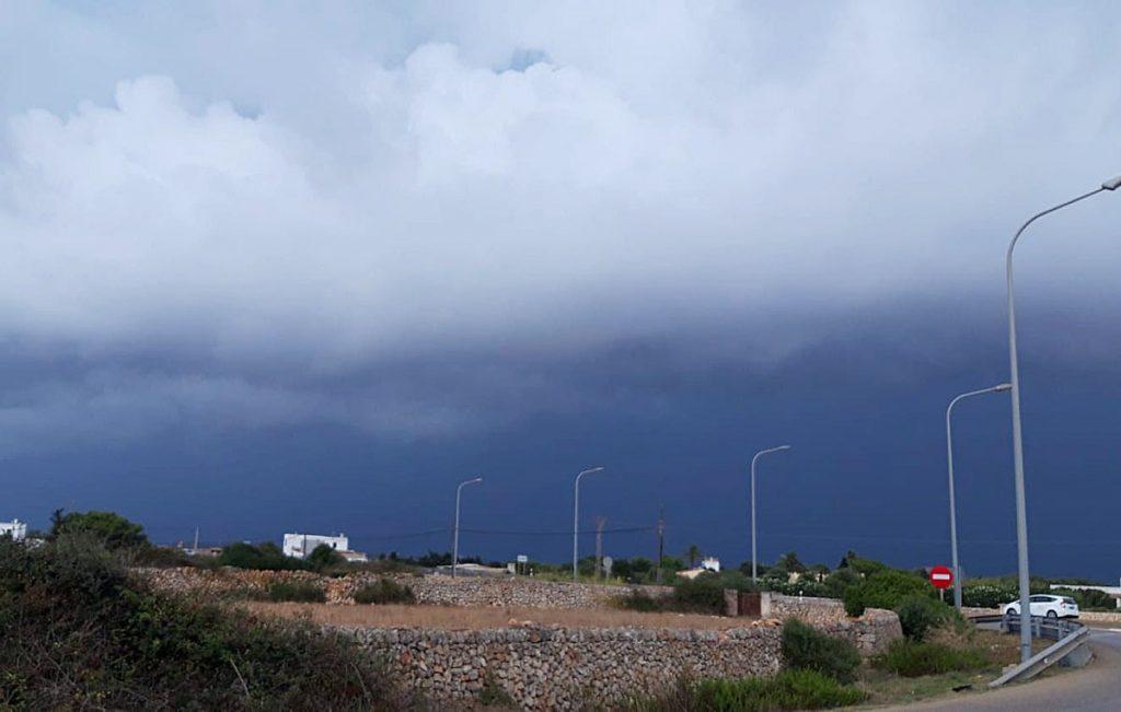 Cielo tapado en Ciutadella (Foto: Joan Lladó)