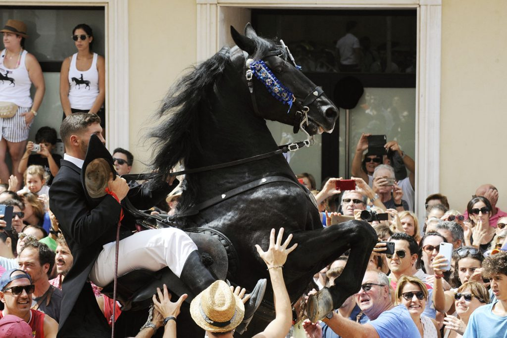 Imagen de un jaleo en las fiestas de Gràcia (Foto: Tolo Mercadal)