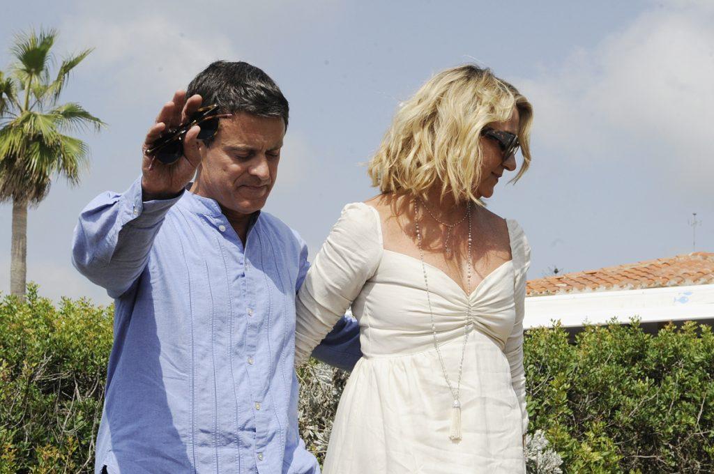 Manuel Vallas, junto a su mujer en Menorca.