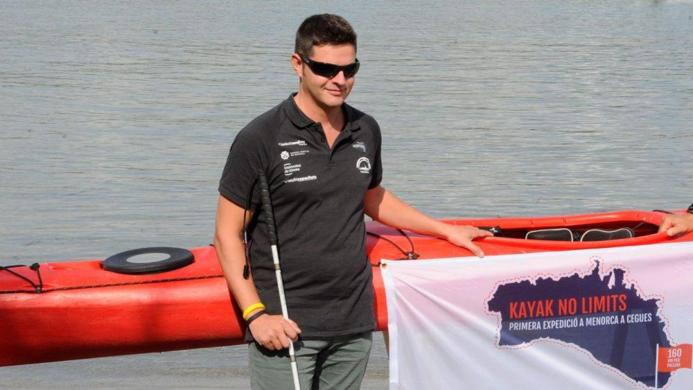 tm200919004isaac-padros-primer-ciego-vuleta-isla-kayak