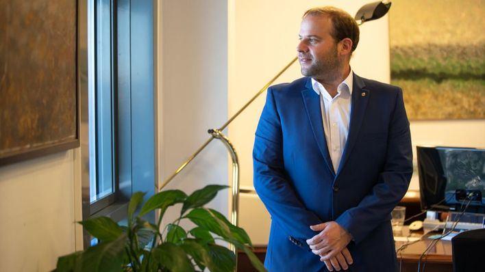 Miquel Mir, tras la entrevista (Foto: mallorcadiario.com)