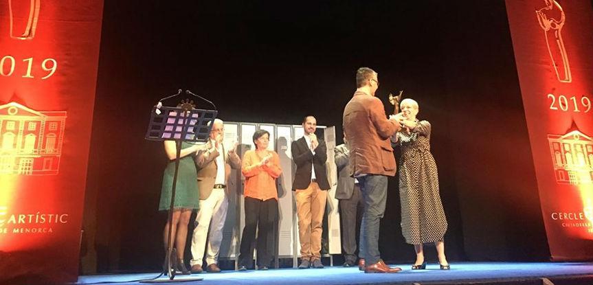 Momento de la entrega del premio (Foto: Cercle Artístic)