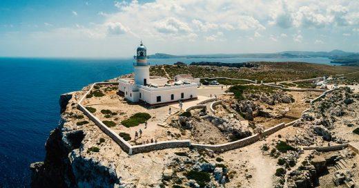 Imagen del Far de Cavalleria (Foto: Turismo de Menorca)