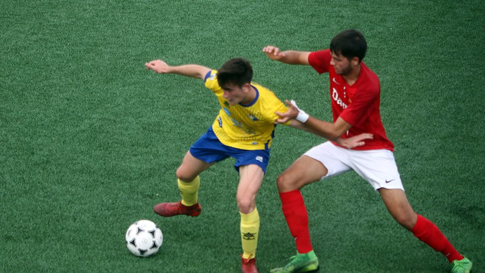 Acción de ataque del partido (Fotos: deportesmenorca.com)