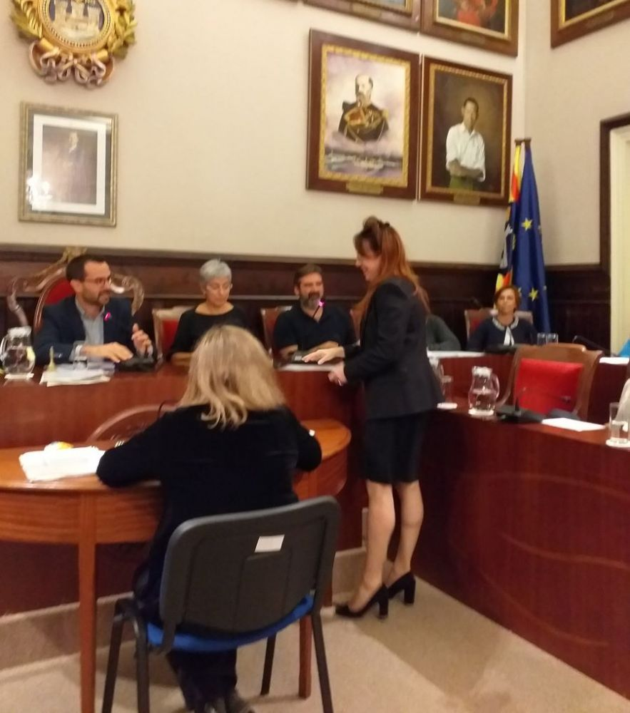 Imagen de la toma de posesión de Pons Roselló ofrecida por el Ayuntamiento de Maó